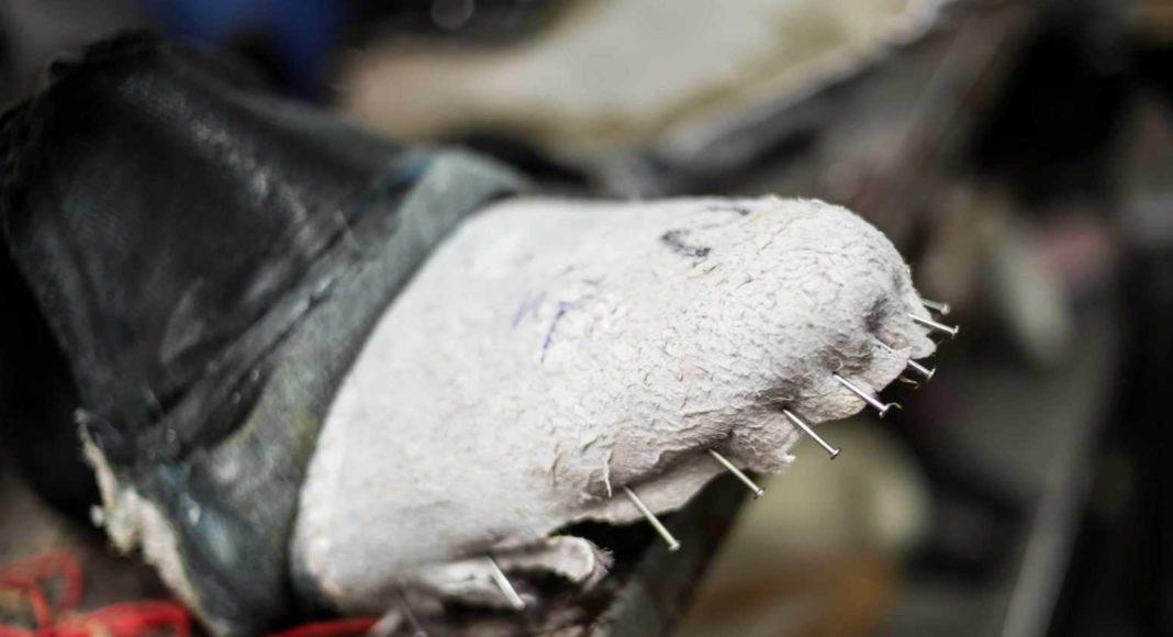 slozhnyy remont obuvi